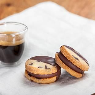 CHOCOLATE PEARLS SANDWICH COOKIES