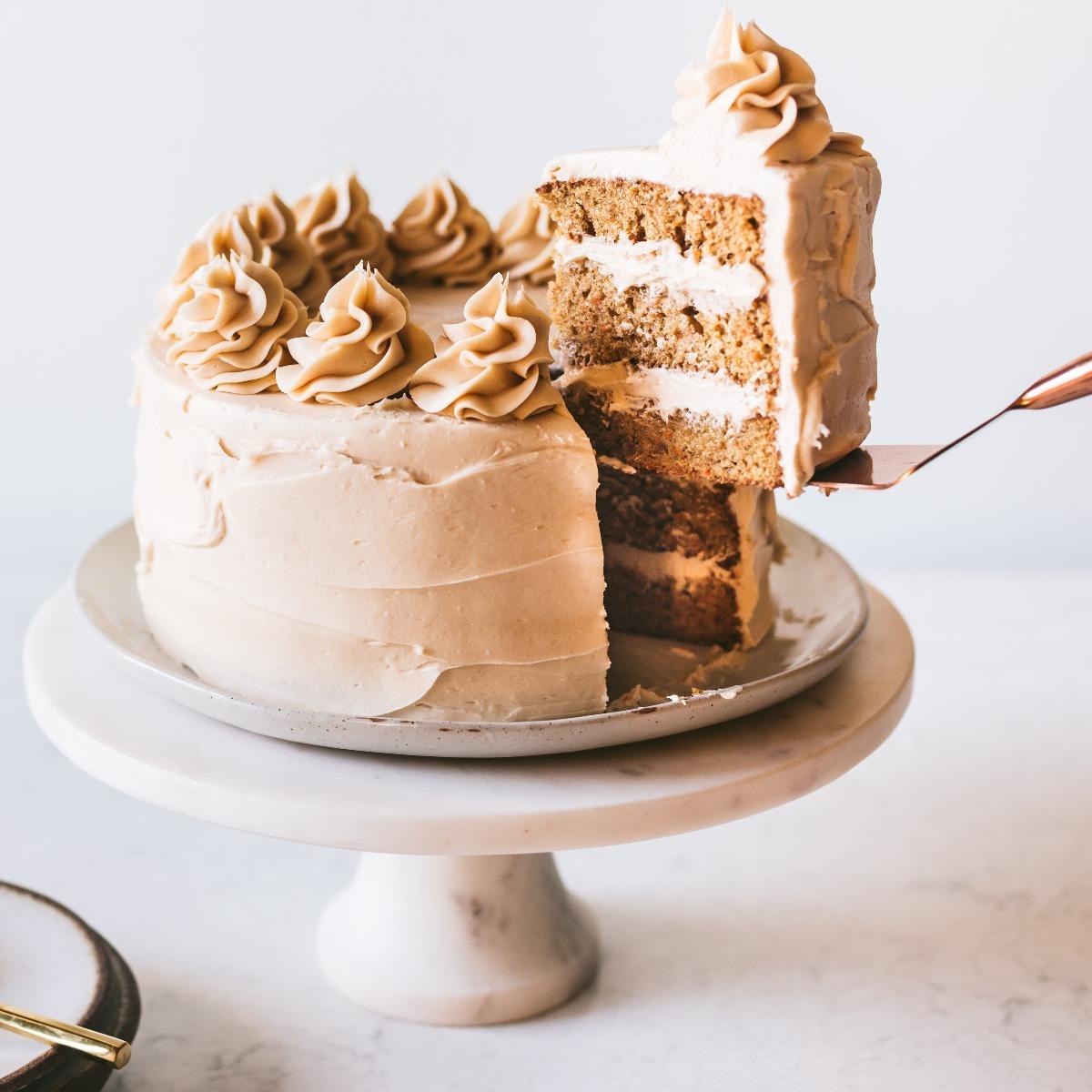 ALMOND INSPIRATION CARROT CAKE