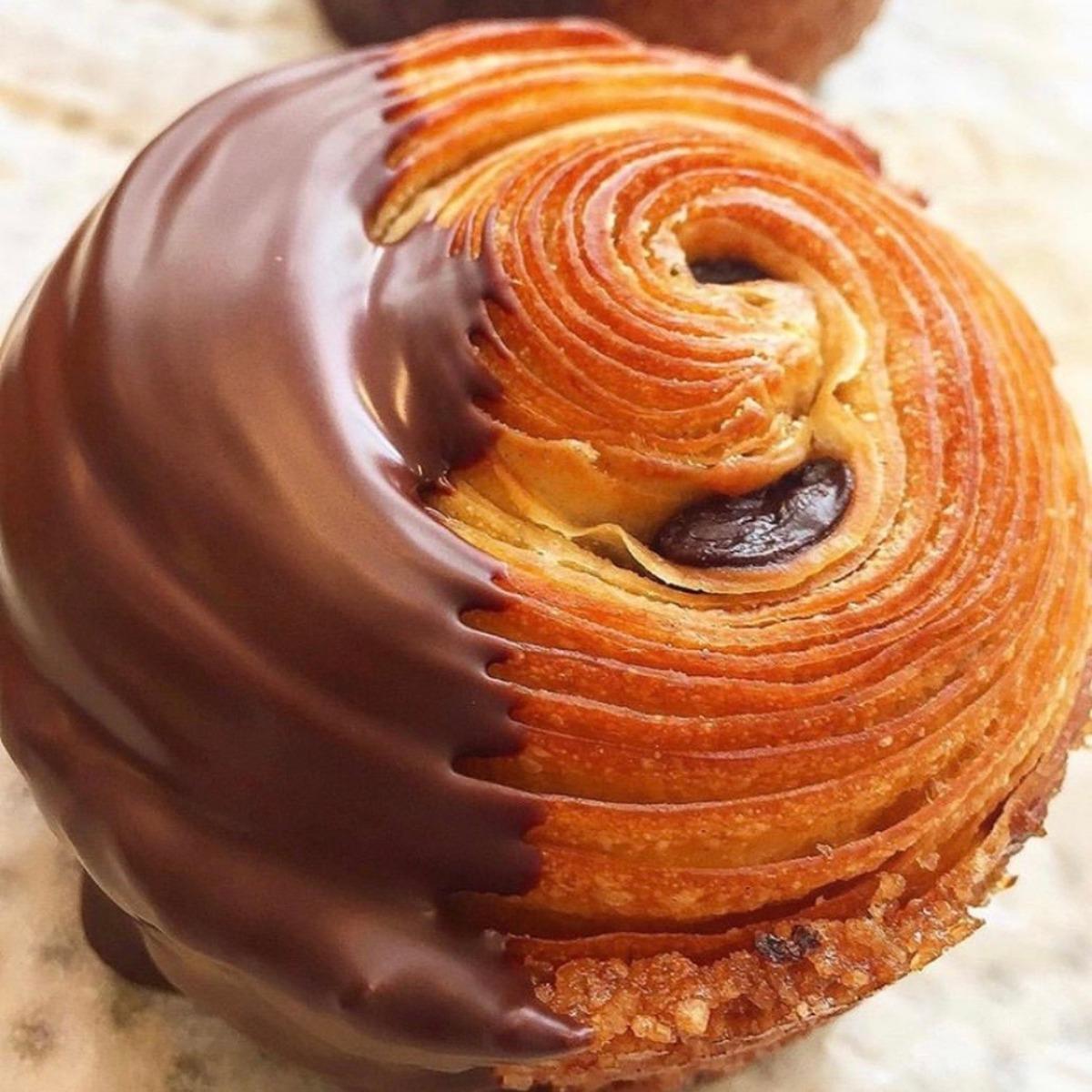 croissant muffin